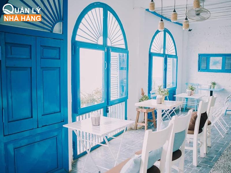 màu xanh dương trong kinh doanh ăn uống