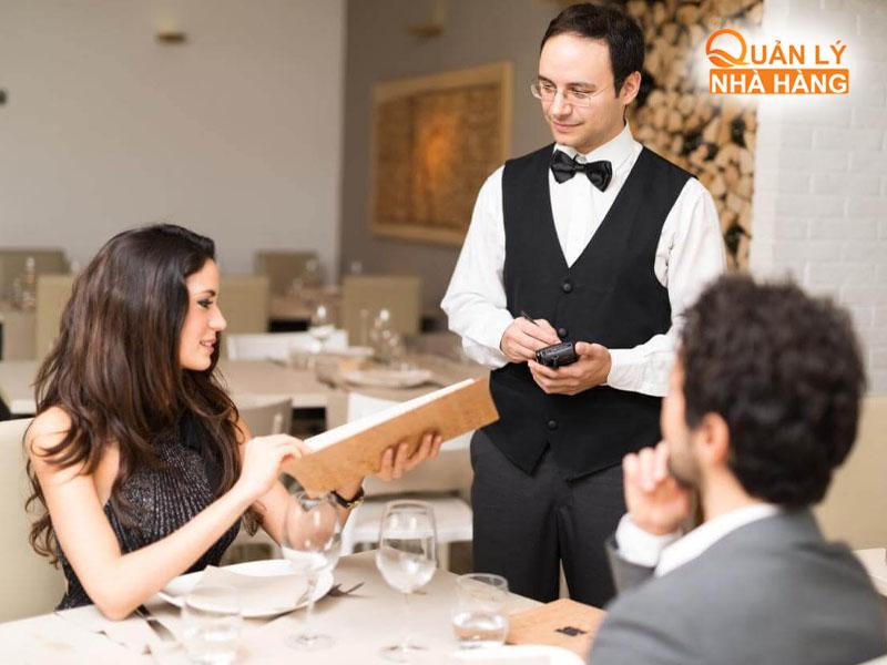 Giới thiệu thực đơn tùy theo sở thích khách hàng