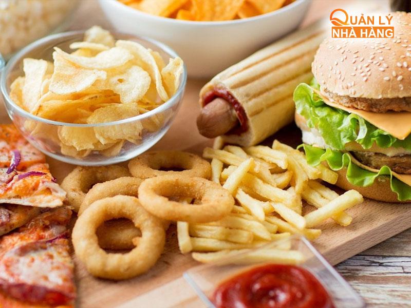 Theo dõi báo cáo cải thiện chất lượng dịch vụ nhà hàng